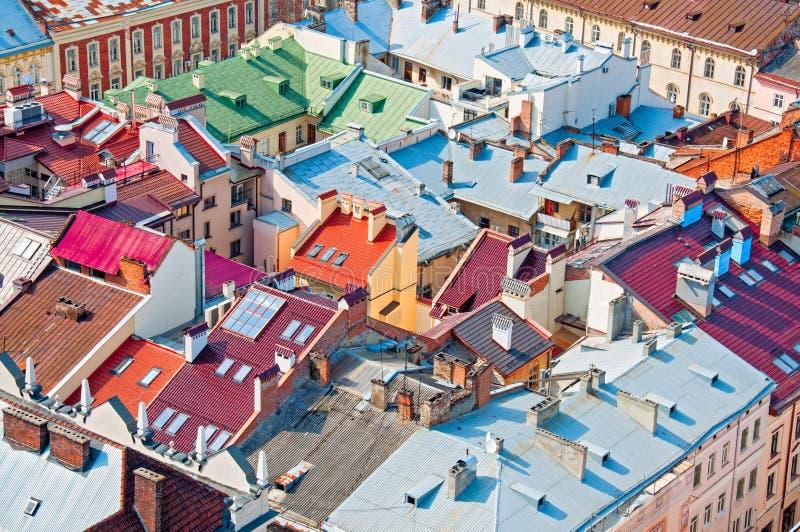 住宅区的看法与房子和街道的从上面 库存图片