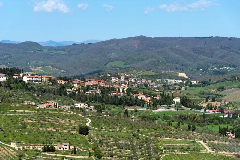 住宅区锡耶纳,托斯卡纳,意大利拉达伊恩基亚恩蒂省全景美丽的景色  免版税库存图片