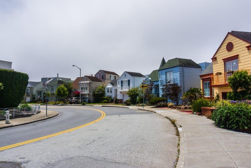 住宅街道在旧金山 图库摄影