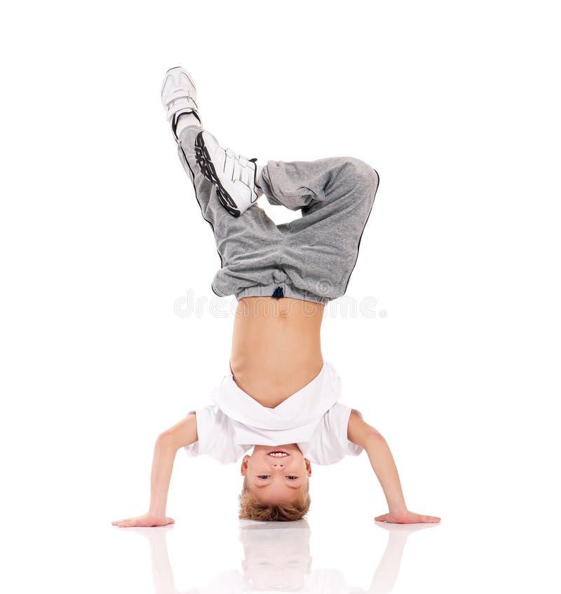 体操的男孩 免版税库存图片