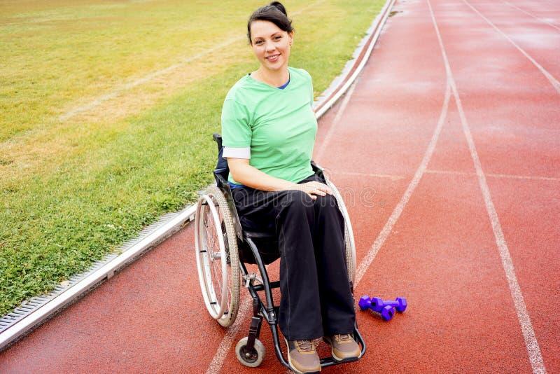 体育场的残疾女孩 图库摄影