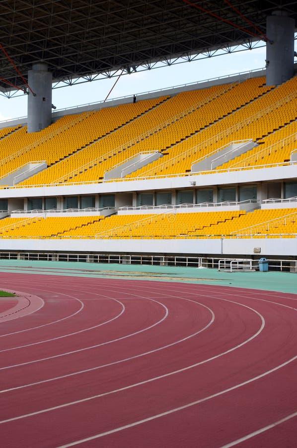 Download 体育场跟踪 库存照片. 图片 包括有 线路, 重新创建, 执行, 陆运, 颜色, 完成, 红色, 编号, 模式 - 22351364