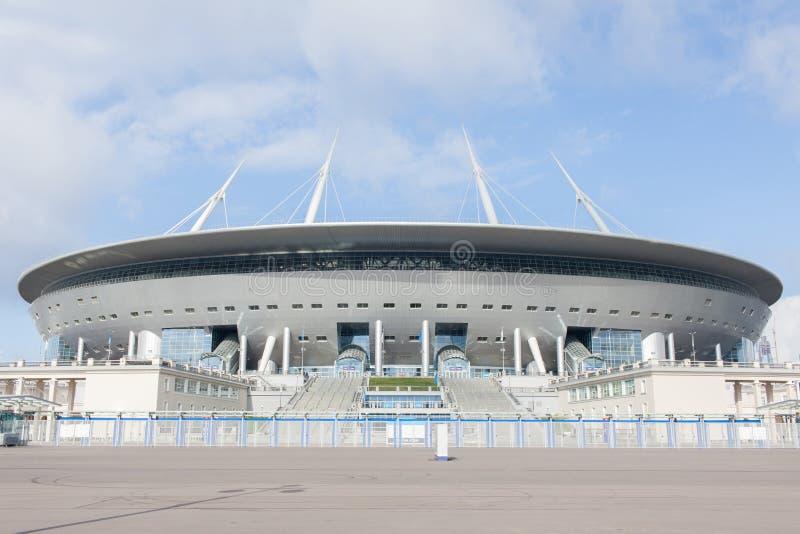 体育场Zenit竞技场,最昂贵地在世界上,在2018年世界杯足球赛 大教堂圆屋顶isaac ・彼得斯堡俄国s圣徒st 库存图片