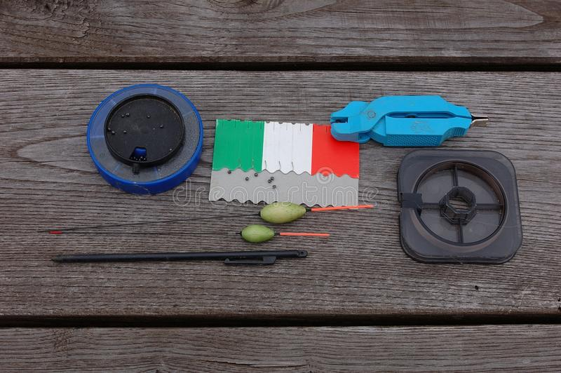 体育运动垂钓的设备在河和湖 免版税图库摄影