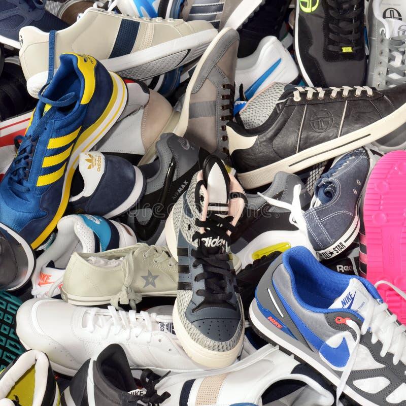 体育运动鞋子 免版税库存图片