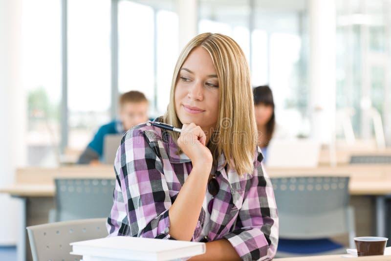 体贴女性高中的学员 库存图片
