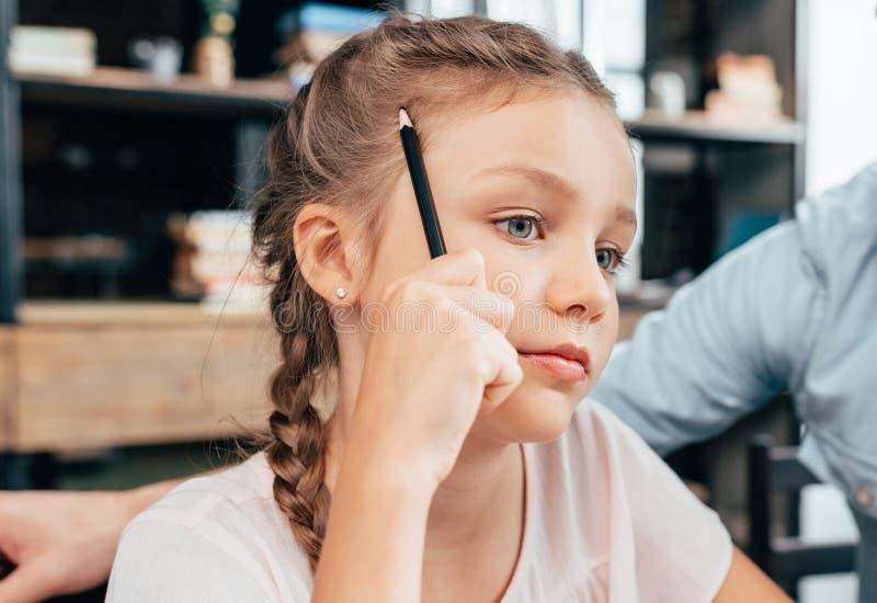 体贴的小女孩特写镜头画象  免版税库存照片