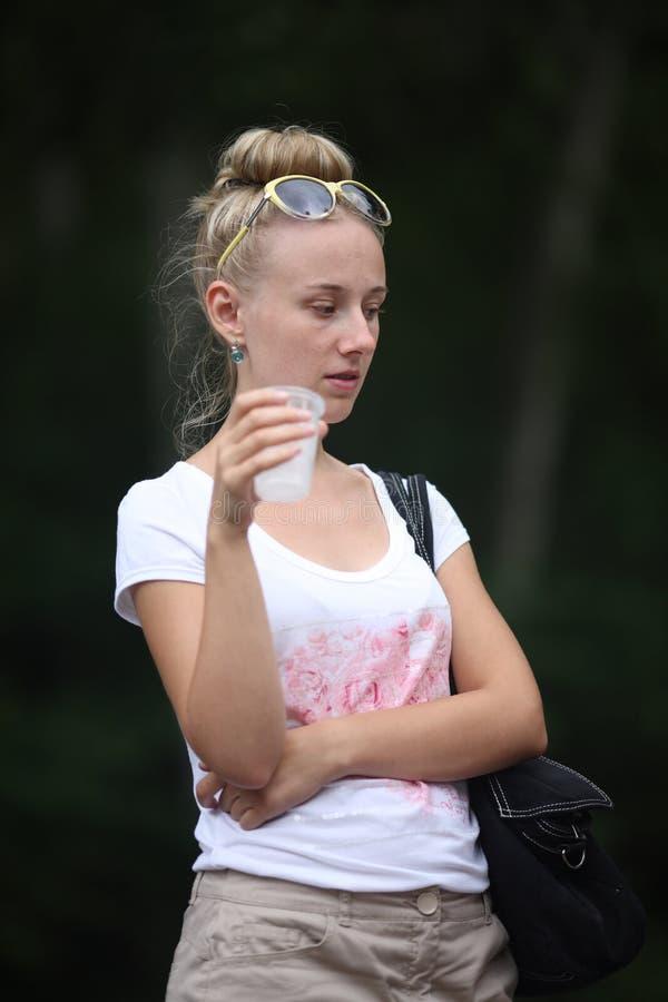 体贴的女孩 免版税图库摄影