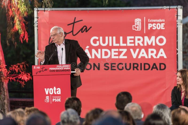 何塞・博雷利・丰特列斯,欧洲选举的PSOE候选人,在他的讲话中在卡塞里斯召开的会议上 库存照片