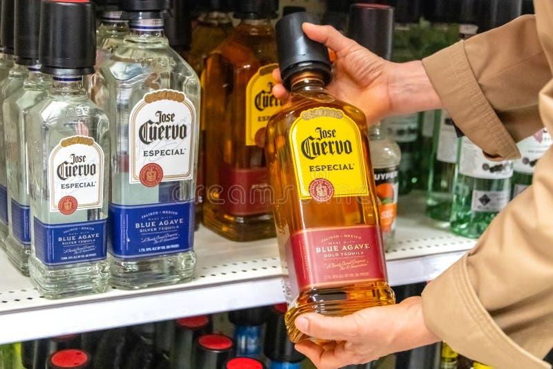 何塞奎尔沃金子品牌龙舌兰酒 免版税库存图片