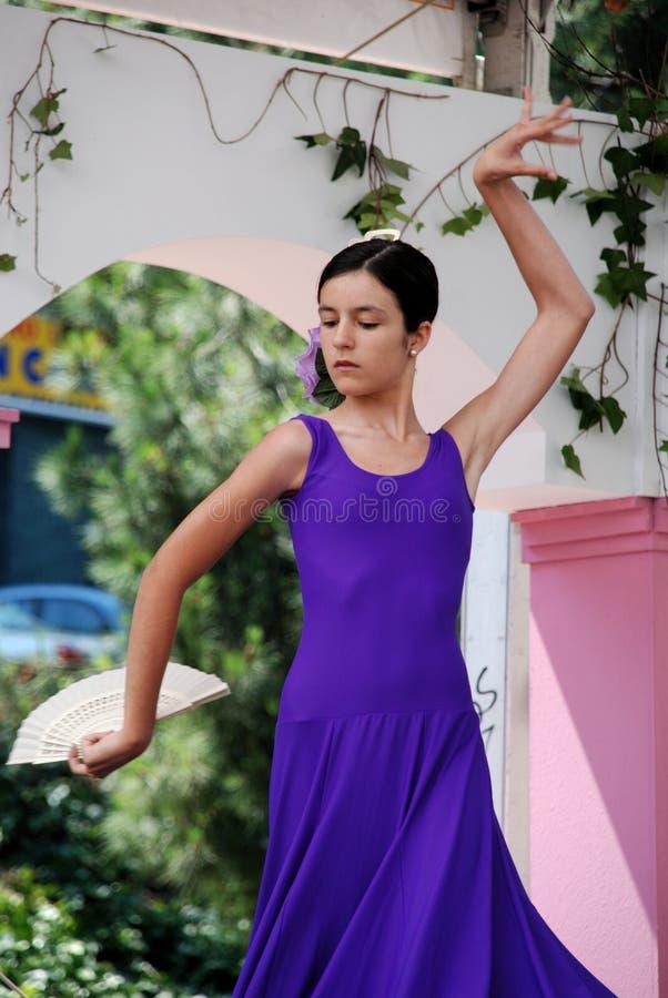 年轻佛拉明柯舞曲舞蹈家,马尔韦利亚 库存图片