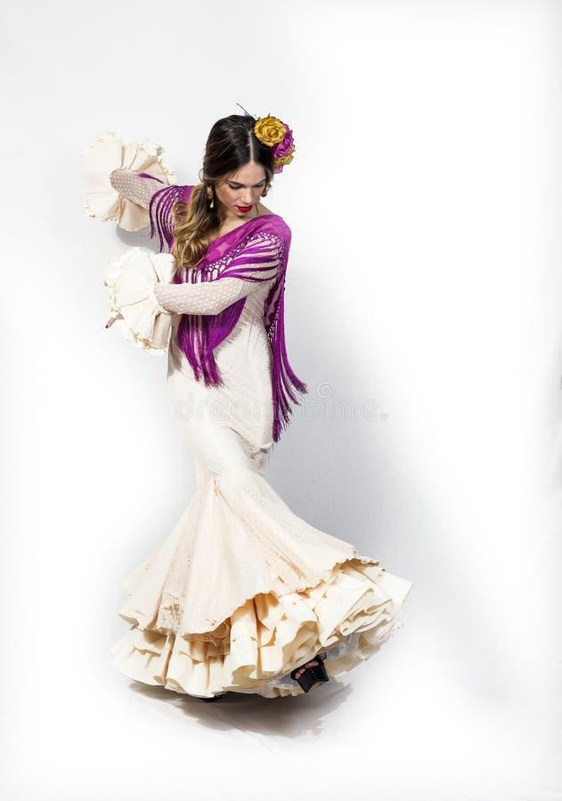 年轻佛拉明柯舞曲舞蹈家画象美丽的礼服的 库存照片