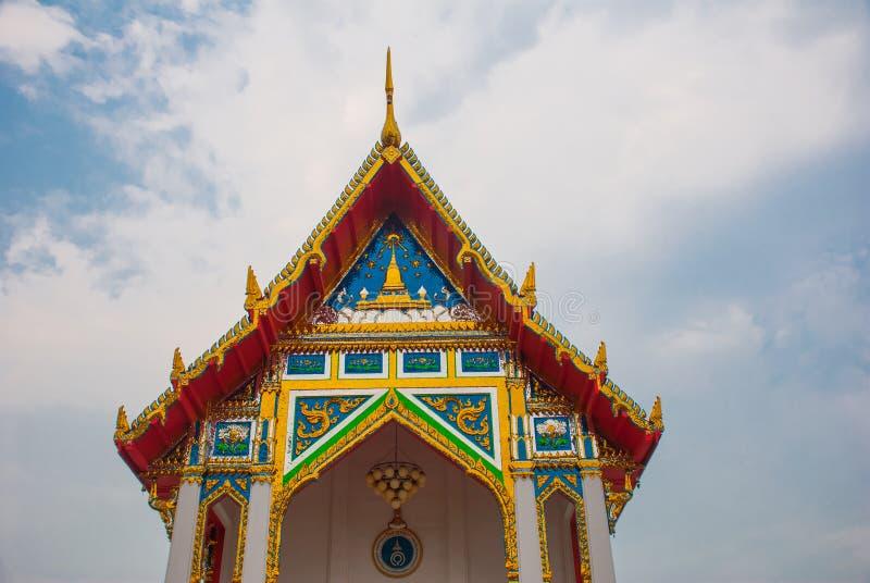 佛教寺庙在城市曼谷,泰国 图库摄影