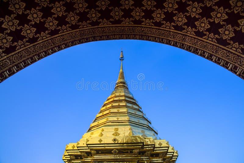 佛教寺庙(Wat Phra土井素贴),清迈、地标和旅游胜地在泰国。 库存图片