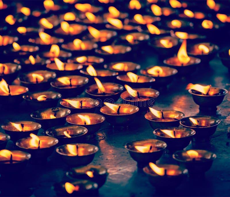 佛教燃烧对光检查寺庙 McLeod Ganj,喜马偕尔省普拉德 库存图片