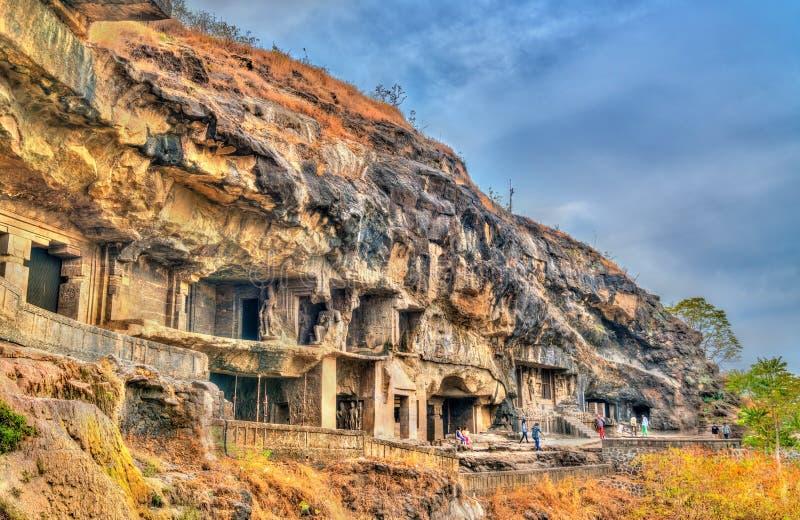 佛教纪念碑看法在埃洛拉石窟的 联合国科教文组织世界遗产在马哈拉施特拉,印度 免版税图库摄影