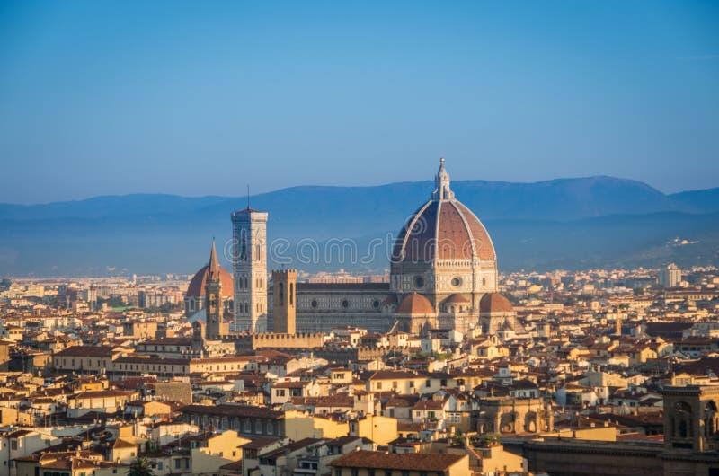 佛罗伦萨全景有主要纪念碑中央寺院的圣玛丽亚del菲奥雷在黎明,佛罗伦萨,佛罗伦萨,意大利 免版税库存图片