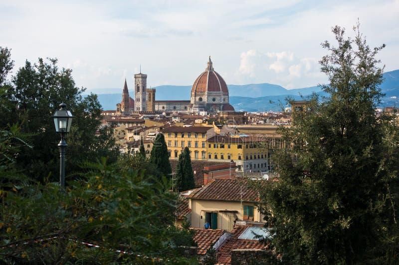 佛罗伦萨全景有旧宫,圣玛丽亚del菲奥雷大教堂和其他地标的,托斯卡纳 免版税库存照片