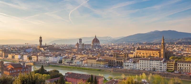 佛罗伦萨市地平线全景在托斯卡纳,意大利 免版税图库摄影