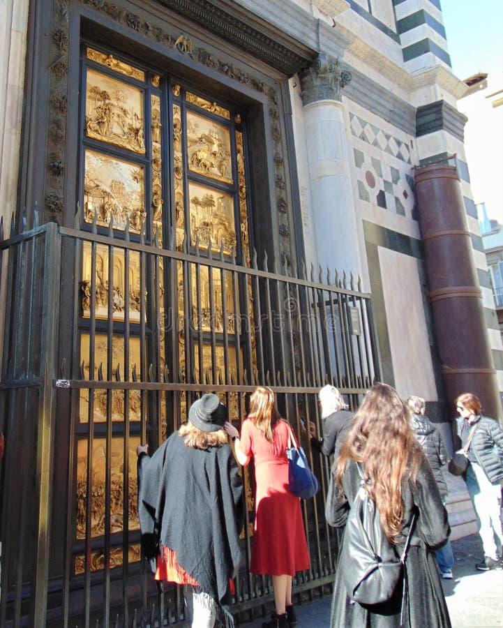佛罗伦萨意大利托斯卡纳 圣约翰洗礼池主教座堂广场的 给天堂装门 免版税库存照片