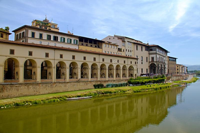 佛罗伦萨河岸视图 库存图片