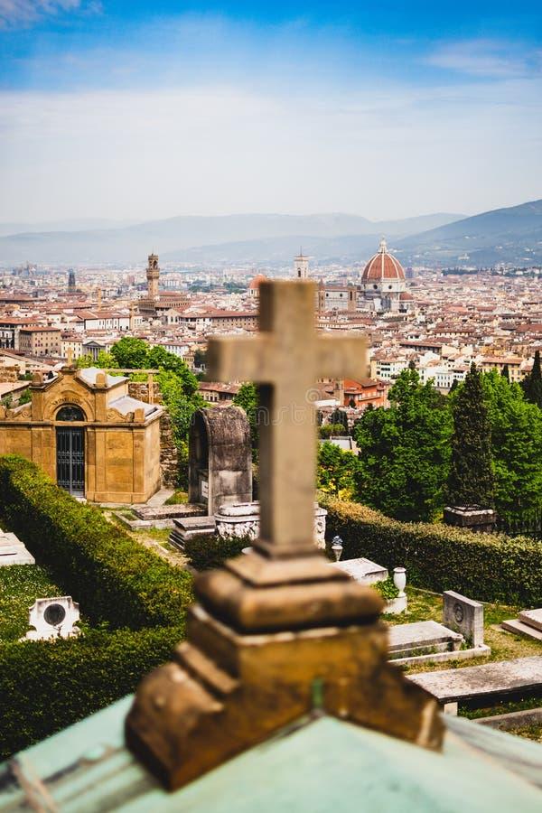 佛罗伦萨看法从圣米尼亚托教会的  免版税库存图片