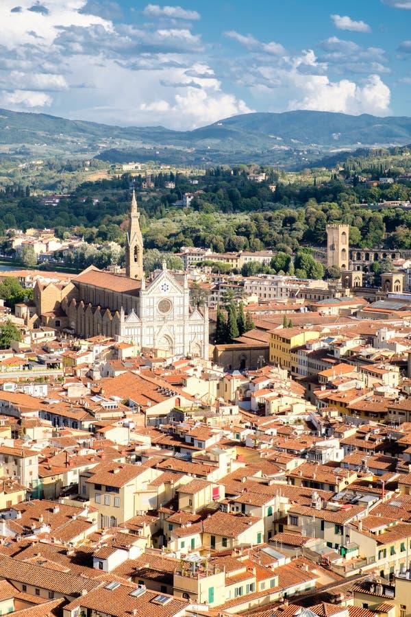 佛罗伦萨鸟瞰图以大教堂二三塔Croce为目的 免版税库存照片
