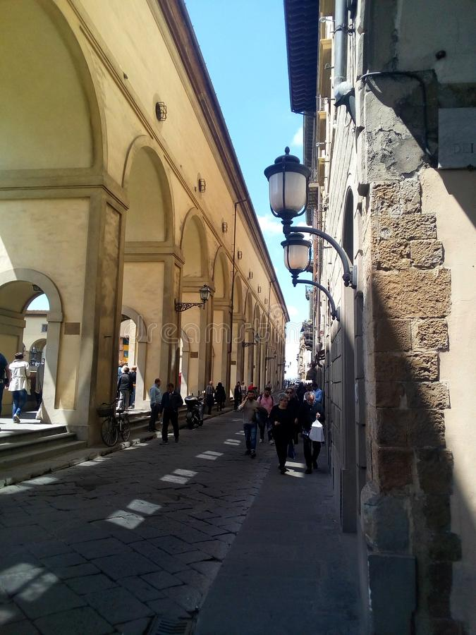 佛罗伦萨,意大利,在阿尔诺河的堤防的画廊 免版税库存图片