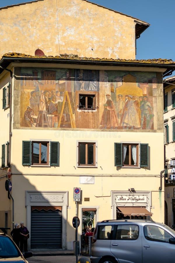 佛罗伦萨,意大利- 2018年4月22日, :有壁画的房子在广场della卡尔扎 免版税图库摄影