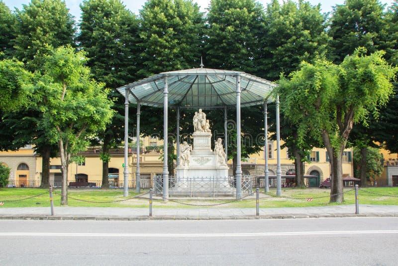 佛罗伦萨,意大利- 2018年5月25日:对尼古拉Demidoff尼古拉尼基季奇杰米多夫的纪念碑对广场Demidoff位于佛罗伦萨 库存照片