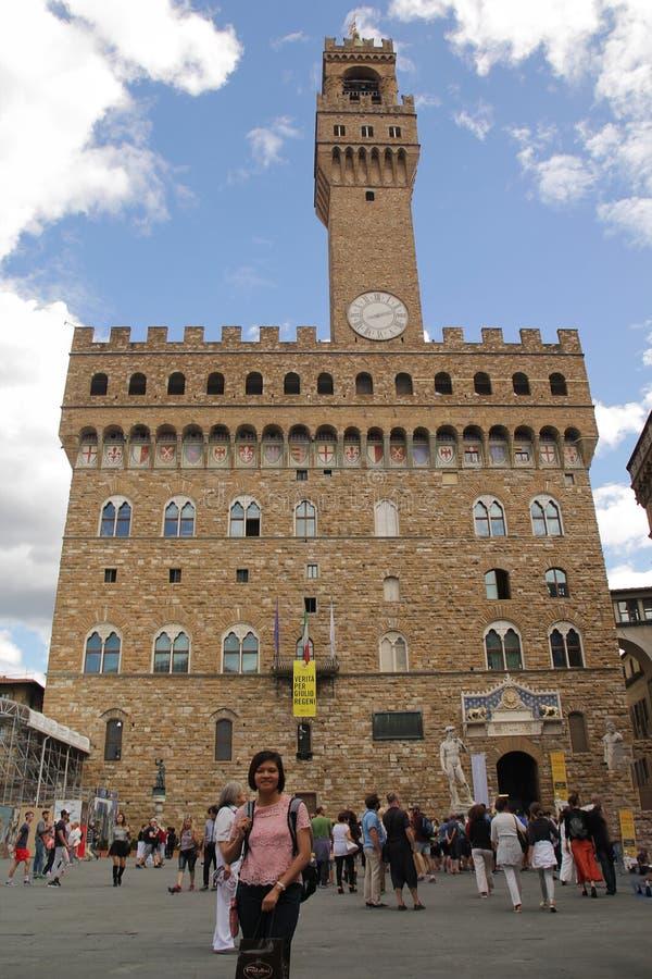 佛罗伦萨,意大利- 9月03,2017:天空蔚蓝和云彩的美好的领主广场广场 免版税库存图片