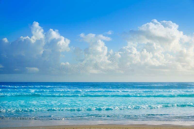 佛罗里达岸波浪的Daytona海滩 免版税库存图片