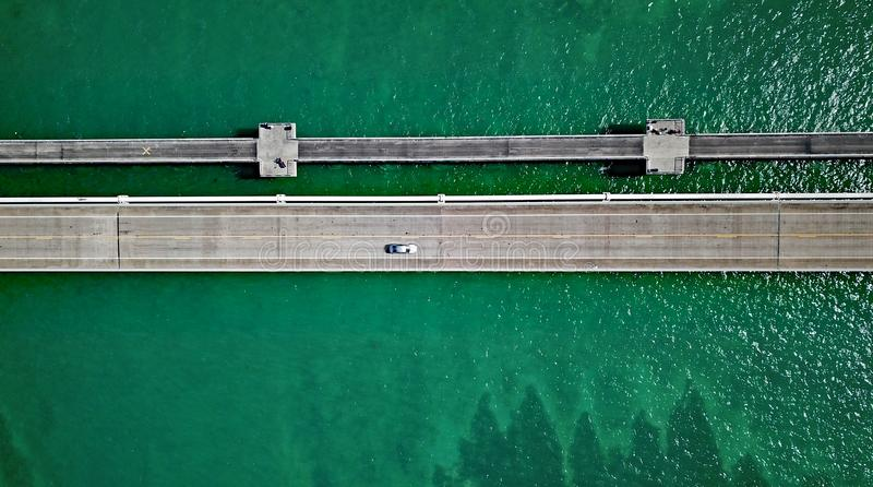 佛罗里达高速公路桥梁的寄生虫照片 免版税库存照片