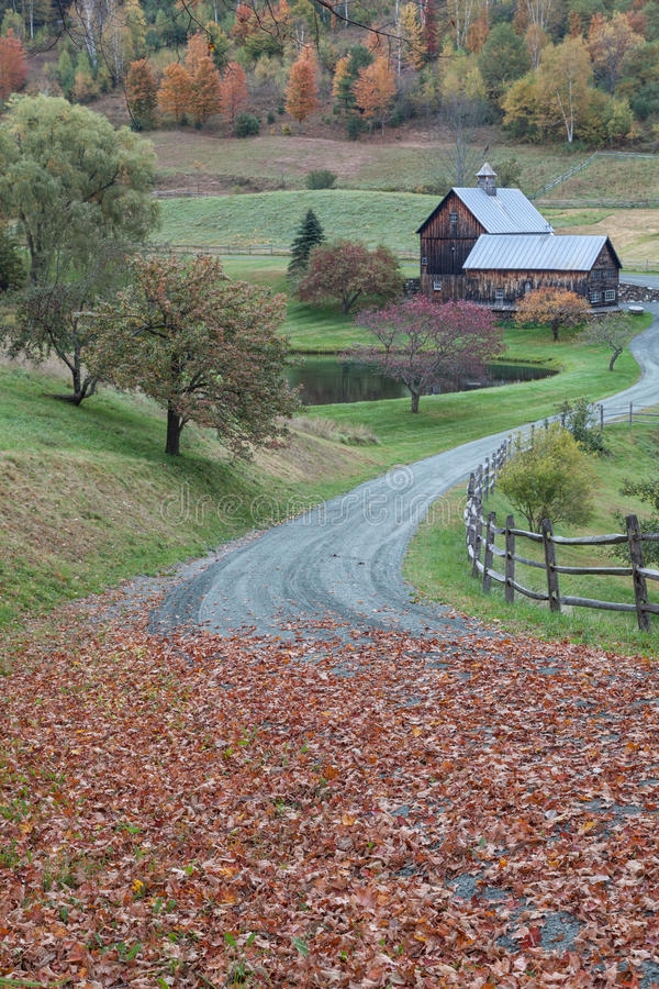 佛蒙特农场在秋天 库存照片