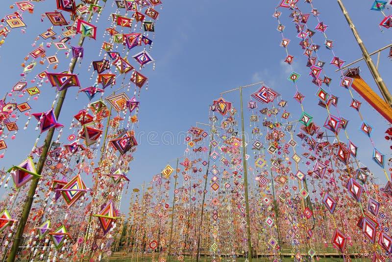 作为背景的五颜六色的桐树旗子,Isan加拉信泰国桐树旗子  免版税图库摄影
