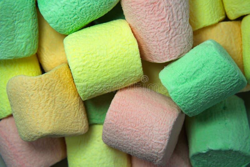 作为背景的五颜六色的蛋白软糖 蓬松蛋白软糖构造接近  库存照片