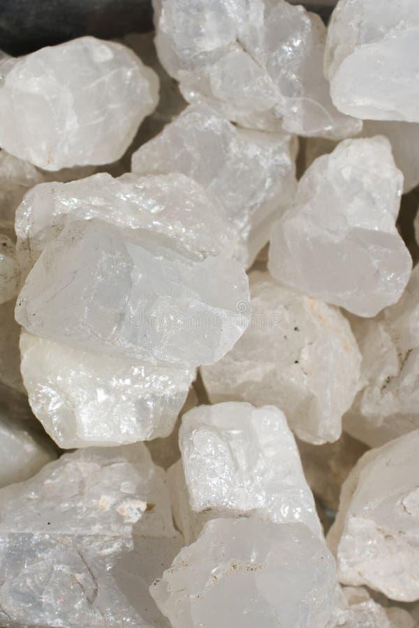作为自然矿物岩石的月长石(adular)宝石 免版税库存图片
