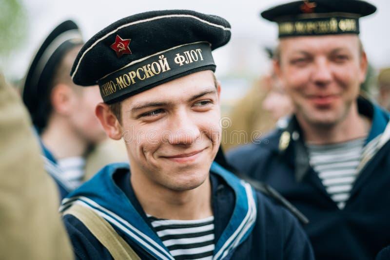 作为苏联水手穿戴的未认出再enactor 图库摄影