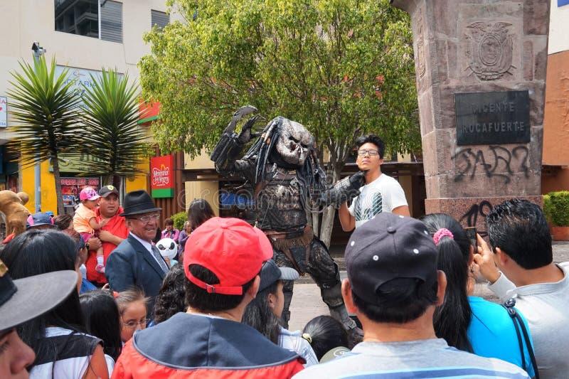 作为著名人民假装的青年人在老岁月节日在Amazonas大道的 免版税库存照片
