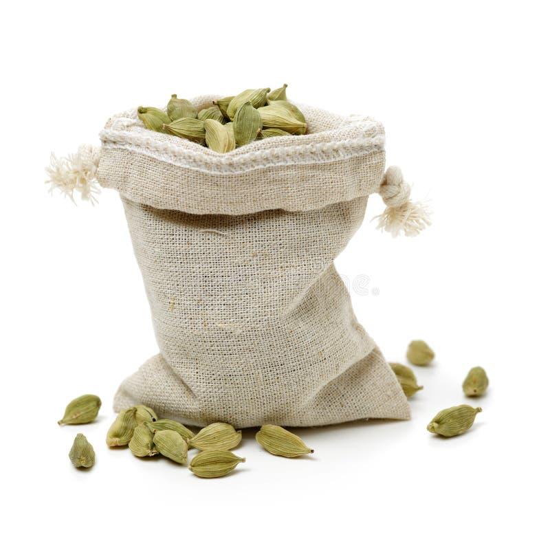 作为豆蔻果实耕种调味料草本印度的座席其用的最大被看见的香料 它的最大耕种在印度看 图库摄影