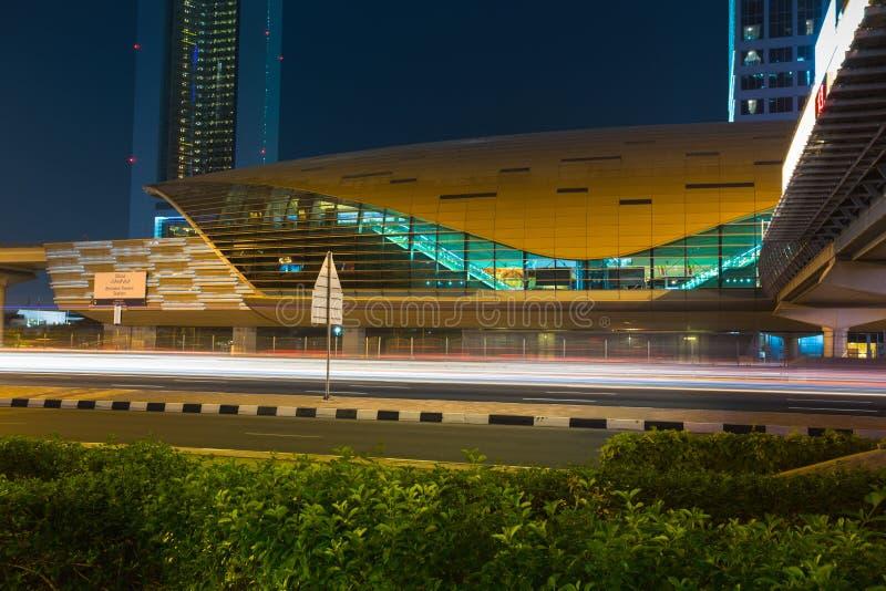 作为world& x27的迪拜地铁; s充分地长期自动化地铁网络& x28; 75 免版税库存照片