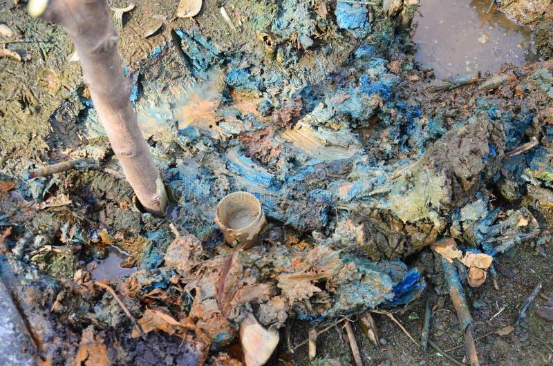 作用环境从化学制品和重金属在土壤 库存照片