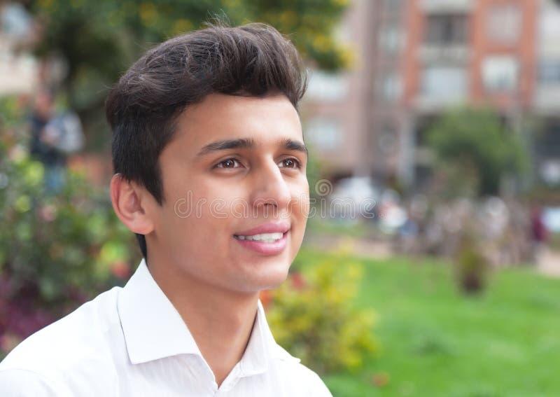 作巴西学生外面在公园 免版税图库摄影