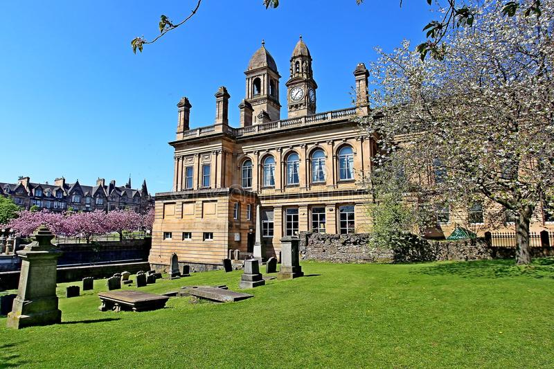 佩兹利有时钟和钟楼的伦弗鲁郡苏格兰城镇厅 免版税库存图片