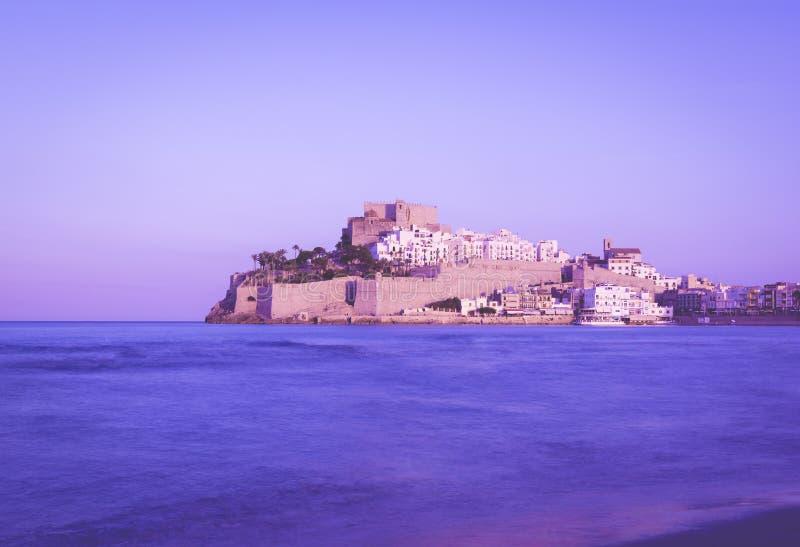 佩尼伊斯科拉城堡, Costa del Azahar位于西班牙,紫外颜色样式的Castellon省 免版税库存图片