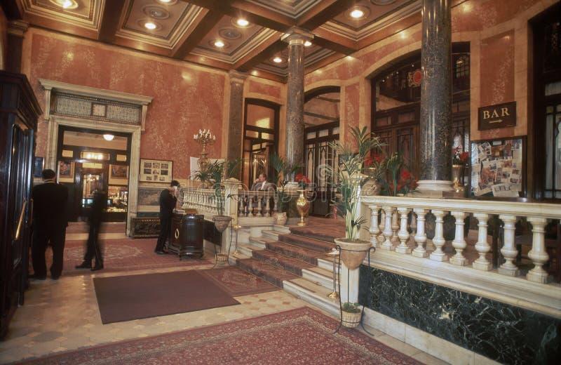 佩拉帕拉申旅馆的门厅在伊斯坦布尔 免版税库存照片