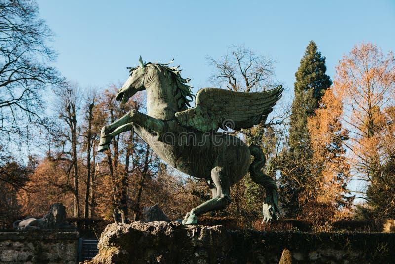 佩格瑟斯雕塑在佩格瑟斯喷泉的在米拉贝尔庭院里在萨尔茨堡在奥地利 欧洲 免版税库存图片