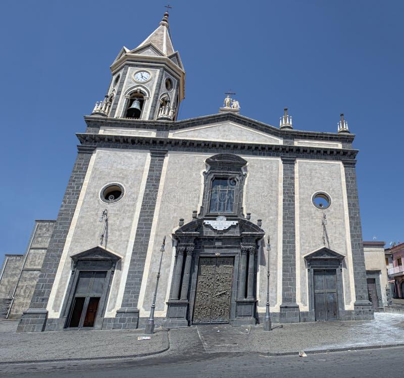 佩达拉西西里人的村庄熔岩教会 库存图片