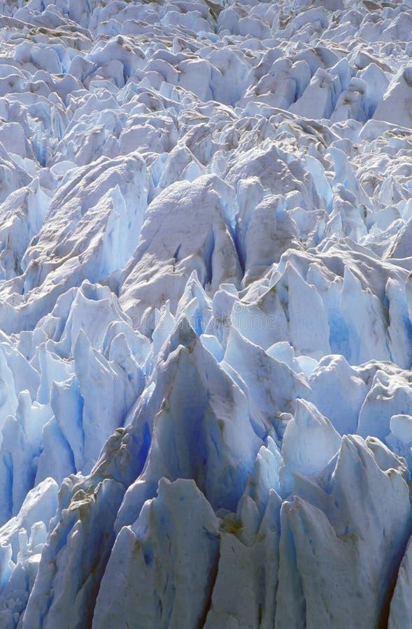 佩里托莫雷诺冰川的冰冷的形成在Canal de Tempanos的在Parque Nacional在埃尔卡拉法特,巴塔哥尼亚, Argenti附近的Las Glaciares 免版税库存照片