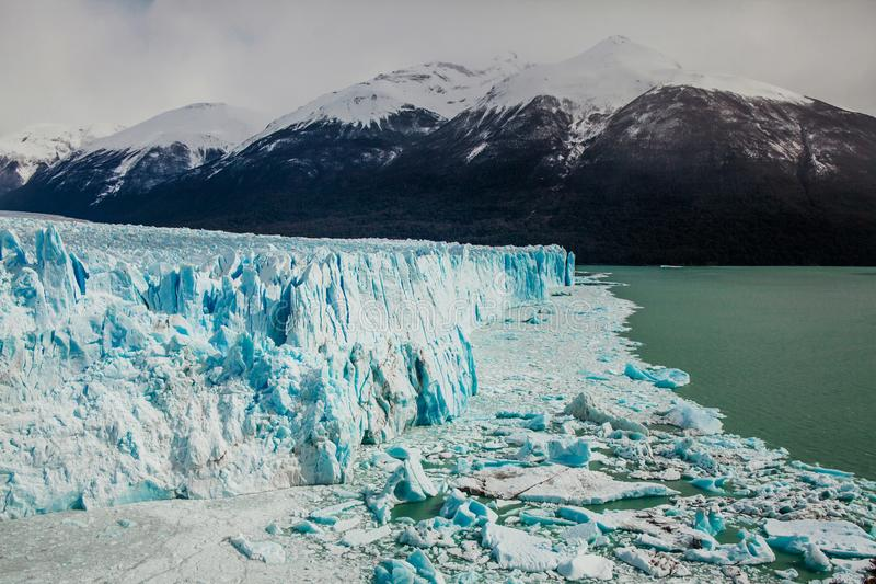 佩里托莫雷诺冰川,埃尔卡拉法特阿根廷, La巴塔哥尼亚 库存照片